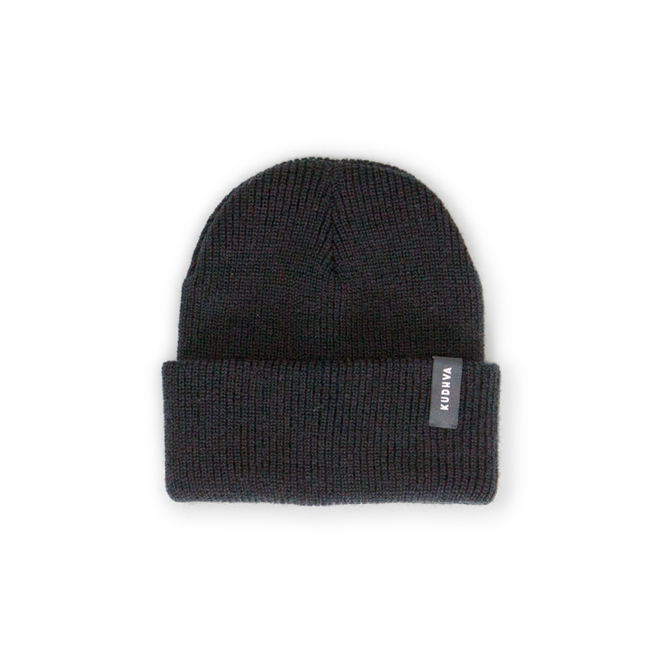 The black Kudhva ribbed beanie